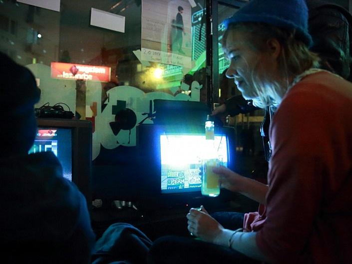 Die Digitale: Konsolenkinder präs. Games People Play in der Brause Düsseldorf